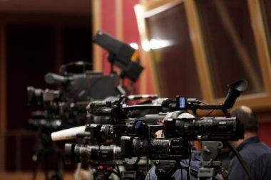 Απάντηση κόλαφος για την κυβέρνηση ΣΥΡΙΖΑ-ΑΝΕΛ σε ερώτηση της Εύας Καϊλή σχετικά με το νόμο για τα ΜΜΕ